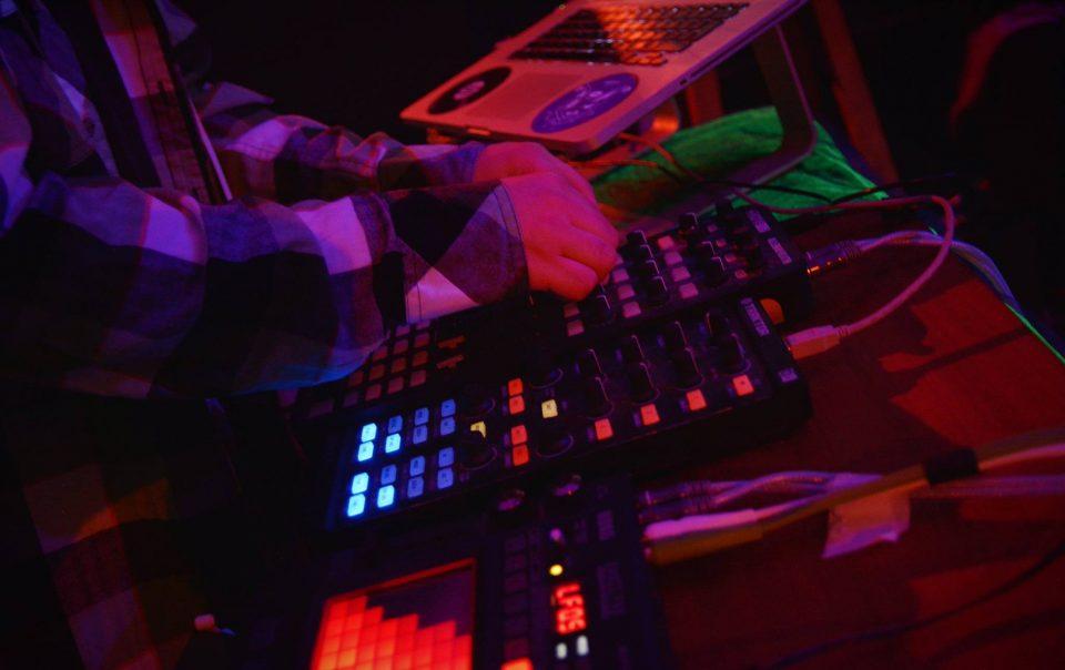 dj livestream to mixcloud live